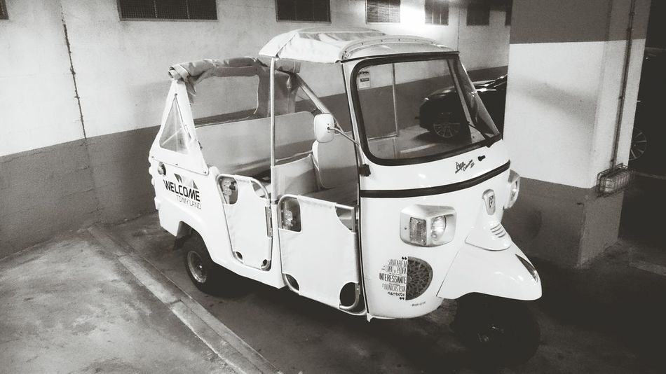 TukTuk Discover Your City On Wheels