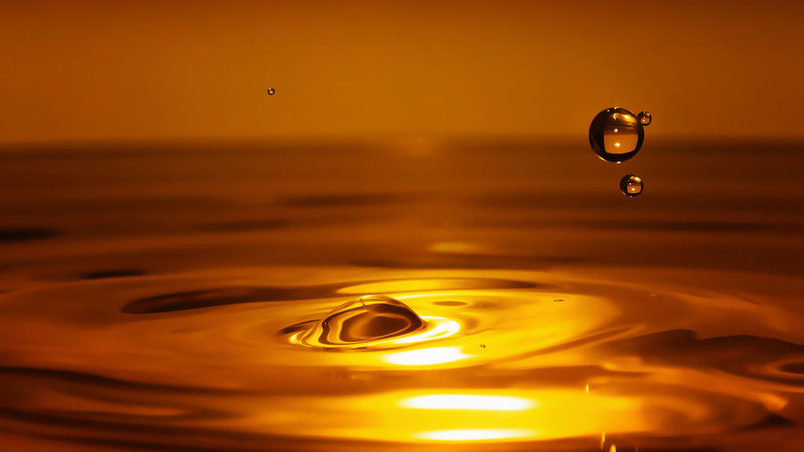Drops Exceptional Photographs EyeEm Best Shots EyeEm Nature Lover EyeEm Gallery Gold Beauty In Nature Bubble Close-up Drop Droplets Drops Of Water Drops_perfection Eye4photography  Gold Colored Liquid Motion Nature Rippled Splashing Droplet Water Water_collection Waterfront