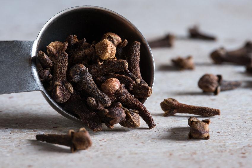 A teaspoon of whole cloves Close-up Cloves Dried Food Food Ingredient Measuring Spoon No People Seasoning Spice Teaspoon Whole