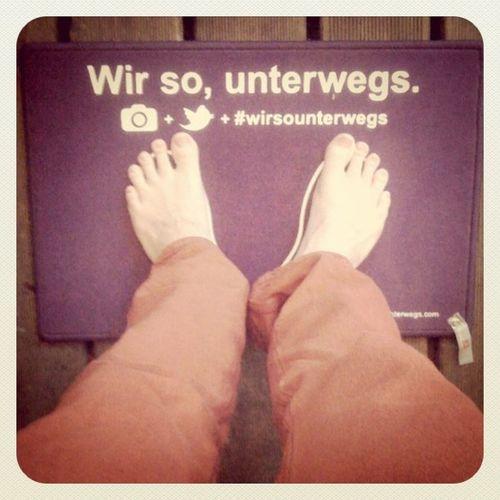 Yeahh #wirsounterwegs auf der #TwittNite Naked FUSE Fuß Wirsounterwegs Twittnite Barefeet Fußmatte Barfuß