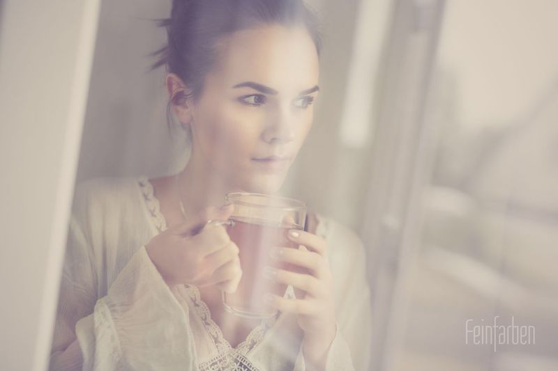 Feinfarben Beauty Portrait Photography Good Morning Series Window Model Tea Time Coffee Time Home Cosy Home