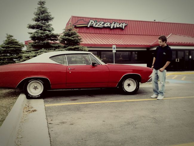 That's Me standing at classical muscle Car in Anchorage USA Streetphotography