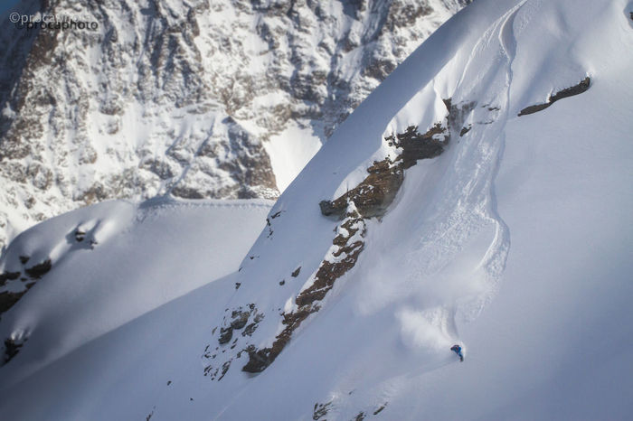 Actionshot Deep Snow Ethereal Freeriding Mountain Remote Snow Snowboarding Tranquility Winter