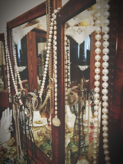 Vintage Jewelry Home Display Vintage Jewelry Collection Old Display Necklaces Indide Chain Gemstone  Gold Chain  Diamond - Gemstone