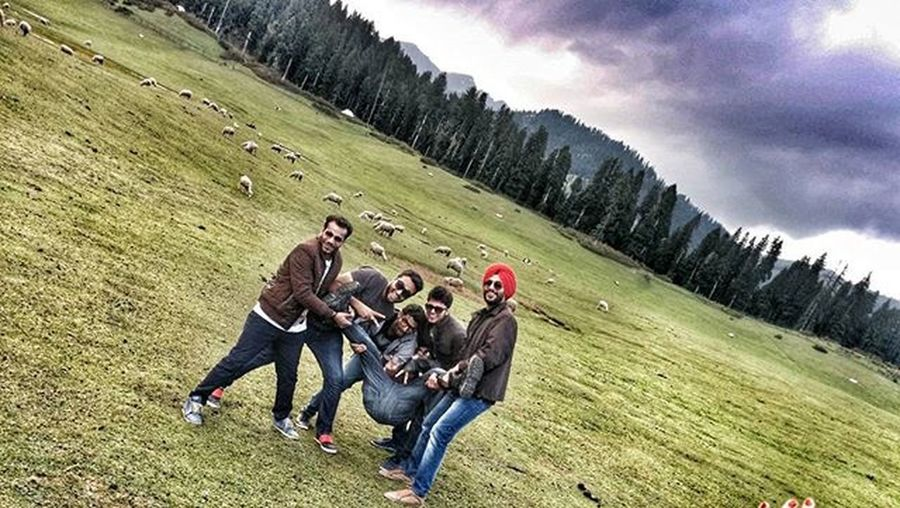 Brostuff Broonly Khap Epic😍 ✌for peace.. Aaquib doing it ol wrong.😂😂 Friends Hdr_pics Happy Doodhpathri Kashmir
