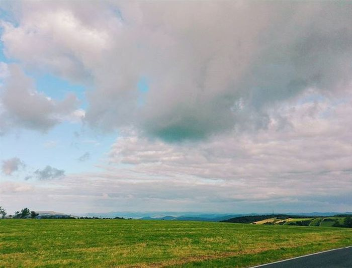 😋 Beautiful View Amazing Sky Clouds Photo Photooftheday Insta Instalike Instagood Instadaily Instamood InstaVsco Photography Phone Huawei P8 P8lite VSCO Vscocam Vscotrees Vscogood Vscophile Vscoczenature Vscocze vscoczech
