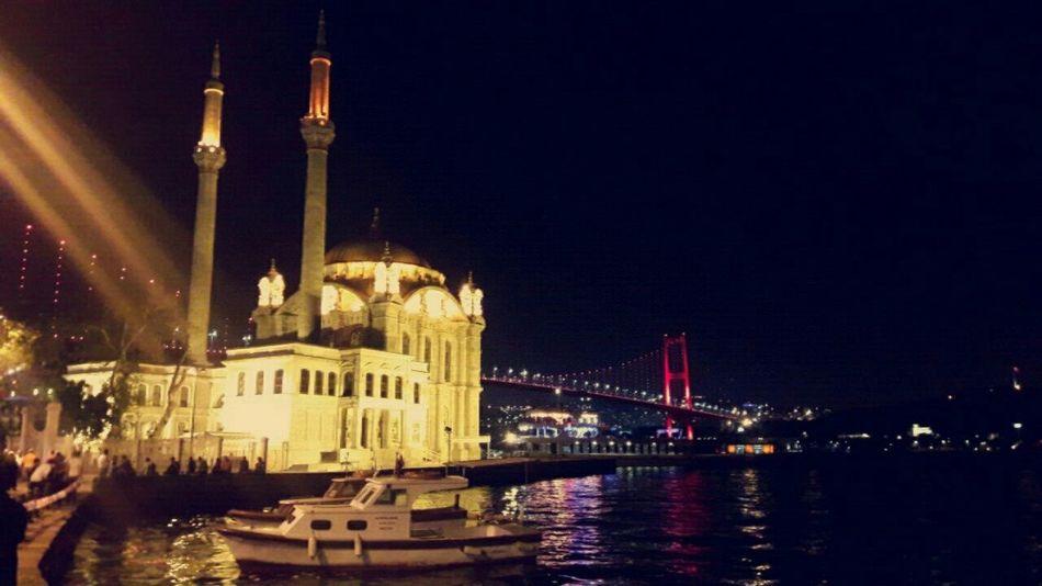 Ortakoymosque Boğaz Köprüsü şehrinakşamları Ortaköy Gece Akşam Istanbul Night Architecture Bridge - Man Made Structure Illuminated Travel Destinations Built Structure Building Exterior