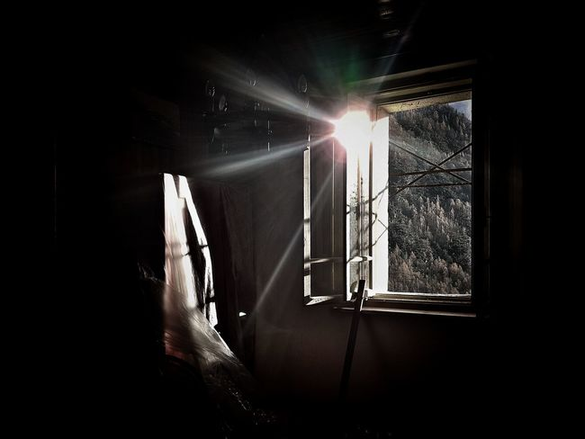 | Enlighten me | Autumn Light On The Window Sunlight Reflected  EyeEm Italy Illuminated Window Autumn Mood