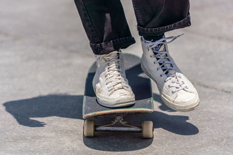 Closeup on skateboarder feet Low Section Shoe Human Leg Human Body Part Real People One Person Shadow Day Lifestyles Sunlight Standing Leisure Activity Jeans Outdoors Sock Human Foot Skateboarding Skateboarder Los Angeles, California Venice Beach Sneakers The Street Photographer - 2019 EyeEm Awards