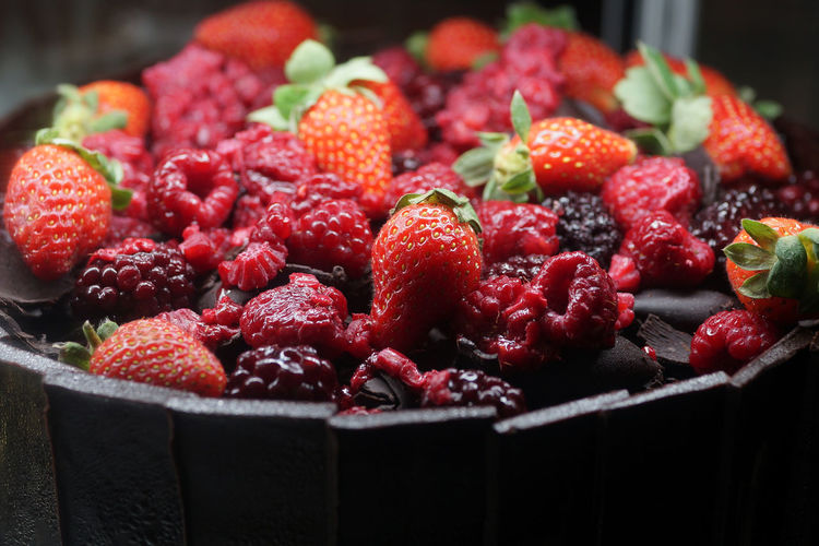 Black Forest Chocolate Cake Black Forest Cake Abundance Berry Fruit Chocolate Cake Close-up Focus On Foreground Food Freshness Fruit Healthy Eating Heap Indoors  Large Group Of Objects No People Raspberry Red Ripe Snack Still Life Strawberry Wellbeing