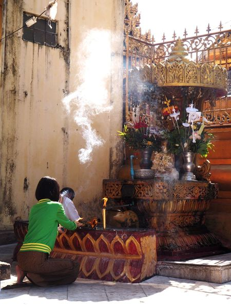 Temple Smoke Incense Offering Buddhism Buddhist Temple Praying Religion My Daily Commute The Moment - 2015 EyeEm Awards