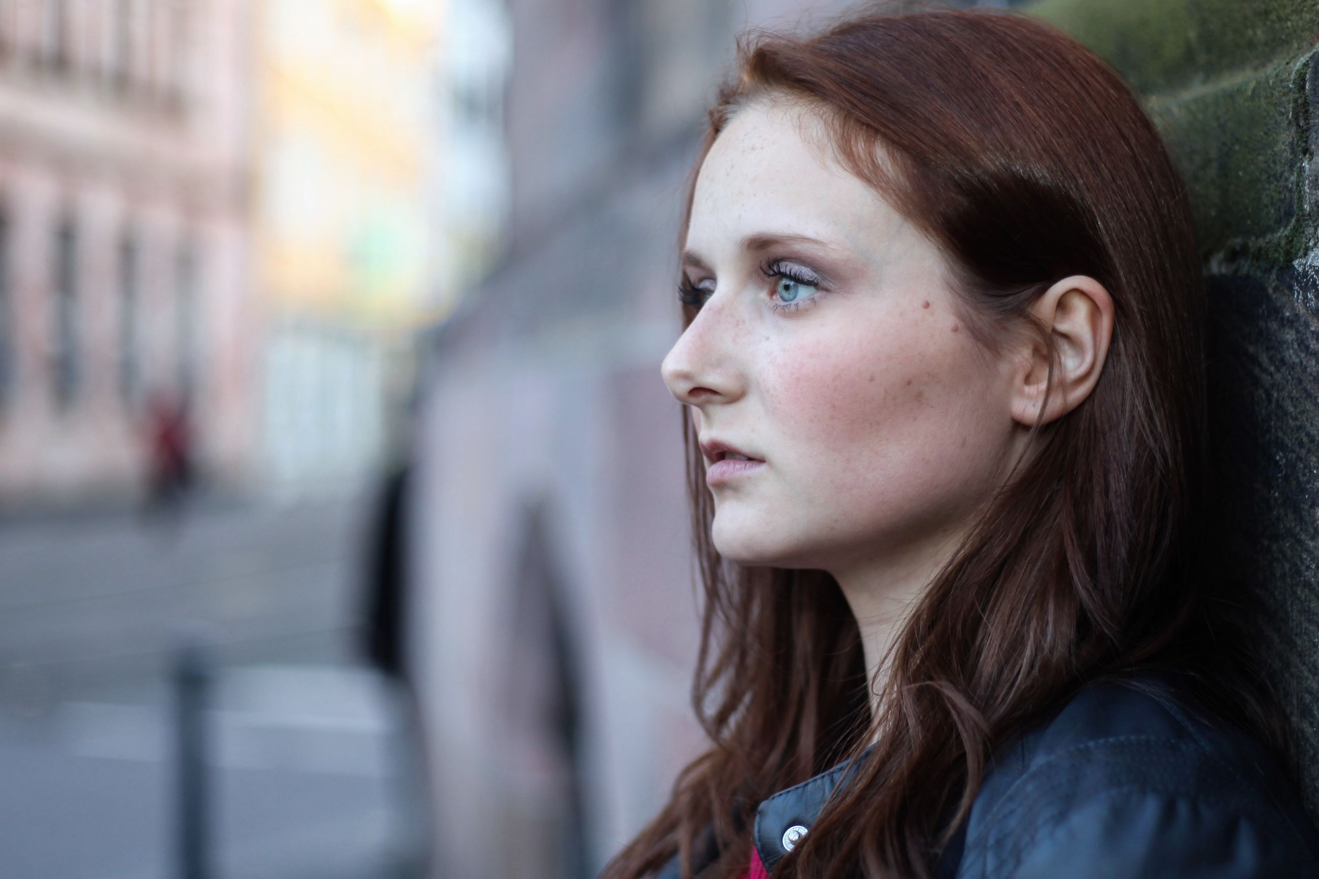 young adult, one person, contemplation, focus on foreground, young women, headshot, real people, outdoors, beautiful woman, day, close-up, one young woman only, people