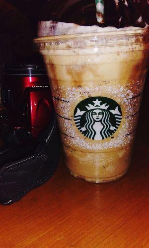 A good break after a long time Starbucks Bestcoffeeintown Music🎧🎵 Friends Hangout Photographs DSLR South Bombay Truelove💕