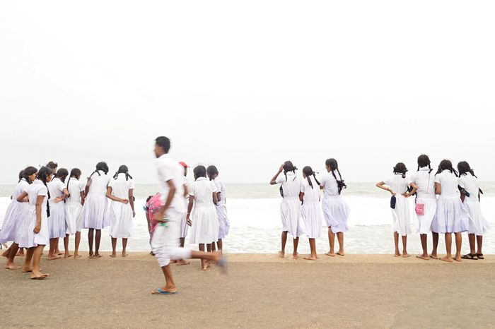SriLanka Colombo Beach Girls 青春 Barefoot