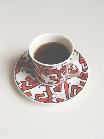 Keith Haring EarlGrey Filmshooting Morning Tea Red White Enjoying Life