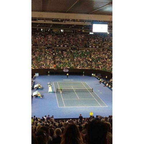 週三第一場比賽,在Rodlaver arena,感受莎拉波娃的吼聲Aoselfie Kiatennis RLA Australiaopen