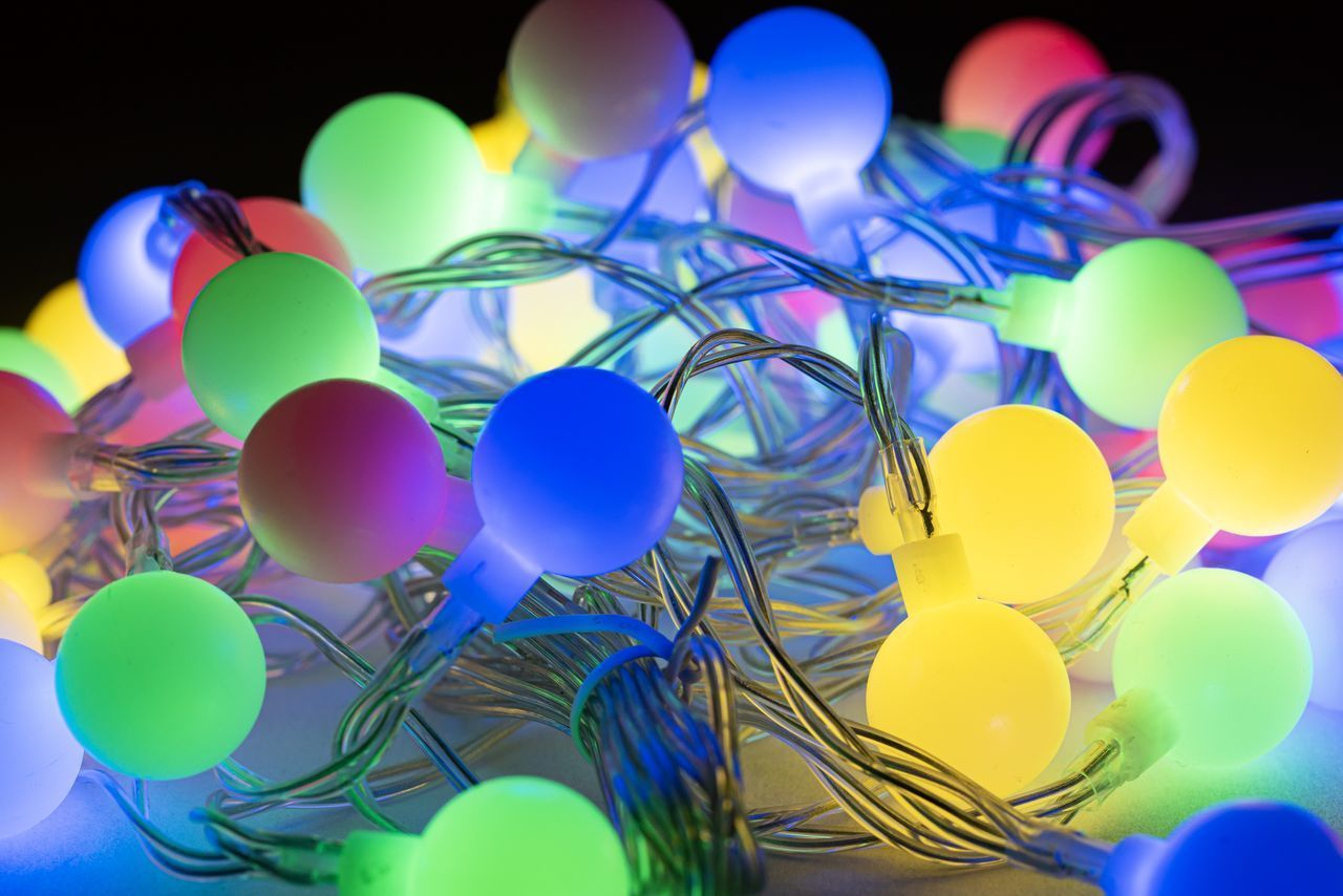 multi colored, celebration, no people, balloon, indoors, selective focus, large group of objects, still life, close-up, event, party - social event, blue, decoration, shape, variation, egg, focus on foreground, design, choice, purple