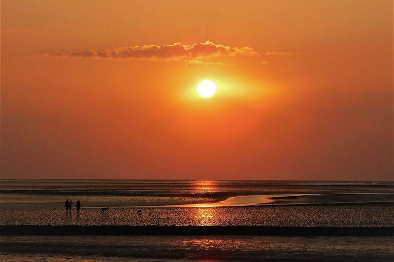 Enjoying sunset in büsum