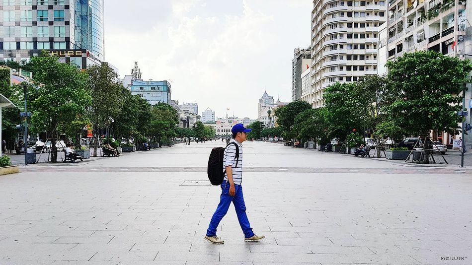 ••• in this Afternoon ••• Nguyenhuewalkingstreet Building Exterior City Lifestyles Street Photography Streetstyle City Life Outdoors Deep Thoughts Mokuin Person Q Standing Front View Check This Out Today's Hot Look Light And Shadow