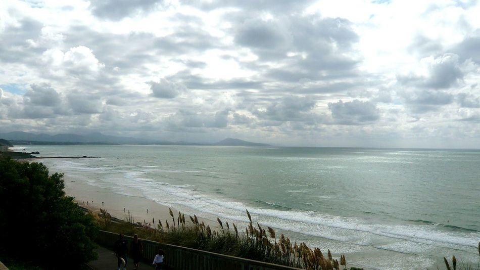 Biarritz Pays Basque Atlantic Ocean Horizon Over Water Cloudy Sky Grey France Finding New Frontiers Live For The Story Breathing Space
