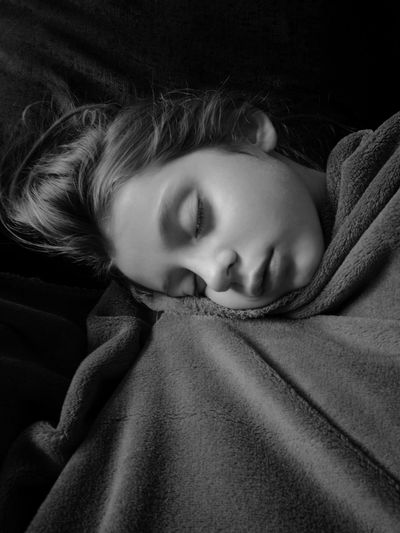 Girl My Daughter ❤️ Black And White Innocence Sleeping Child Relaxation One Person Indoors  Tired Uniqueness Populaire The Portraitist - 2018 EyeEm Awards