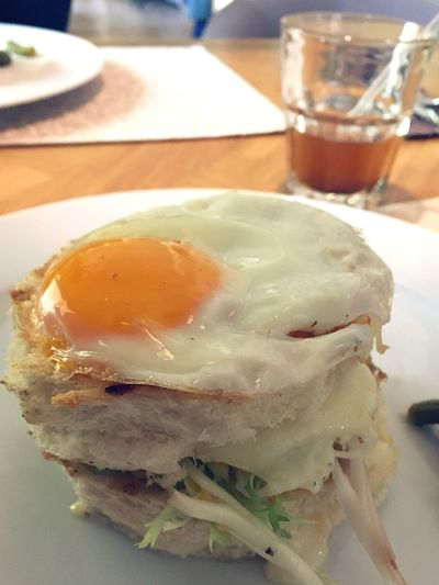 Breakfast 🍳 Egg Cheese 🧀 Bread 🍞 Vegetable 🥒