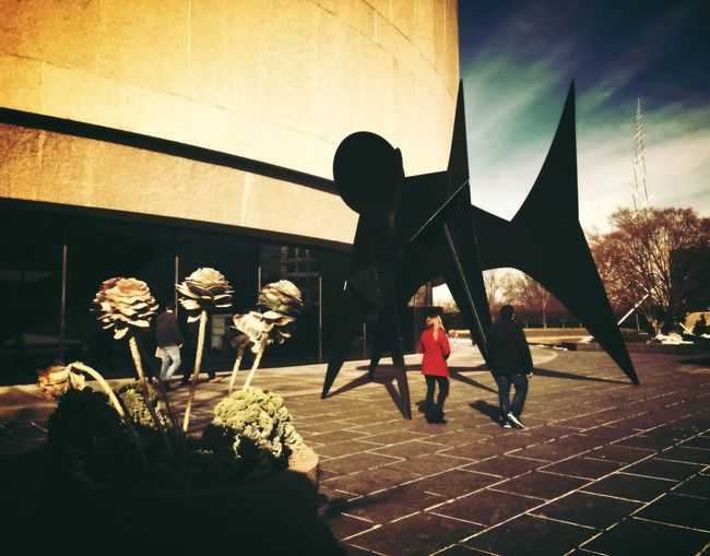 Nearly in the spider's grasp People Wandering Sculpture Hirshhorn  Open Edit For Everyone Streetphotography Museum Washington, D. C. People Watching The Street Photographer - 2015 EyeEm Awards