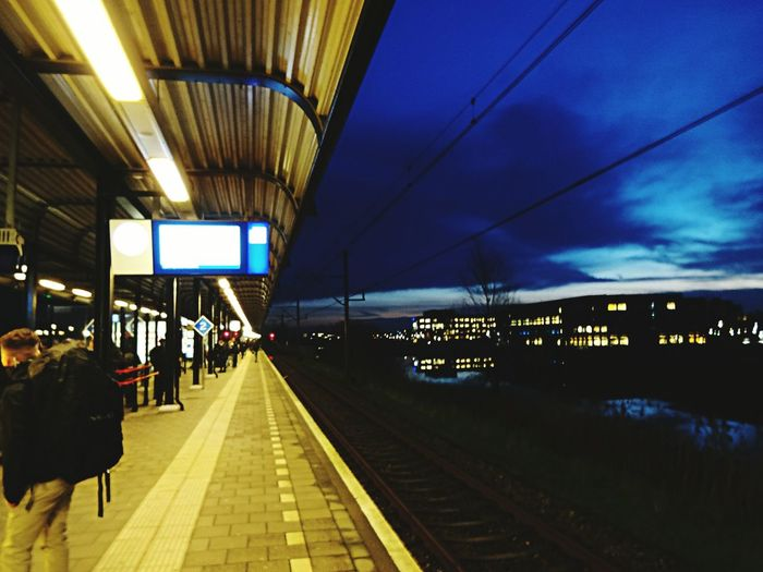 Verdwijnpunt Perspective Sharp Unsharp Sunrise Platform Train Station Station Woerden Mirror Image Architecture Learn & Shoot: Leading Lines (c) 2016 Shangita Bose All Rights Reserved My Commute Feel The Journey 43 Golden Moments