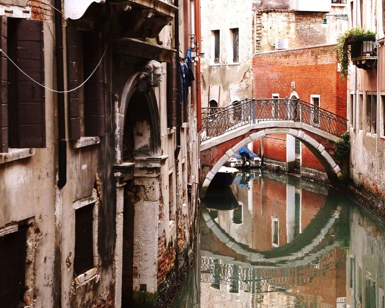 EyeEm Best Shots EyeEm Gondola - Traditional Boat Water Architecture Building Exterior Built Structure Arch Historic Canal Balcony History Historic Building Building Summer Sports
