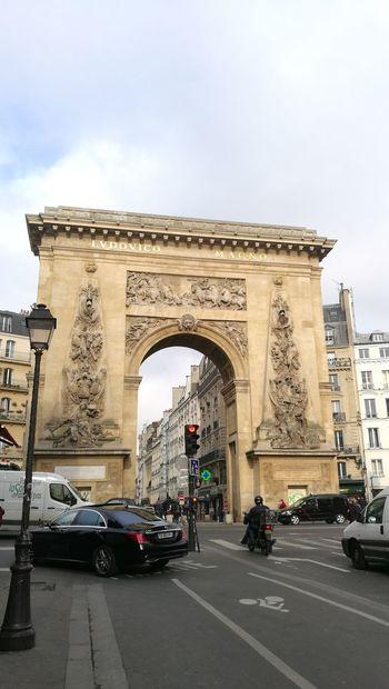 Car Triumphal Arch Arch Monument History No People Day Sky Travel Destinations Land Vehicle Architecture City Outdoors City Gate City Street Paris Paris ❤