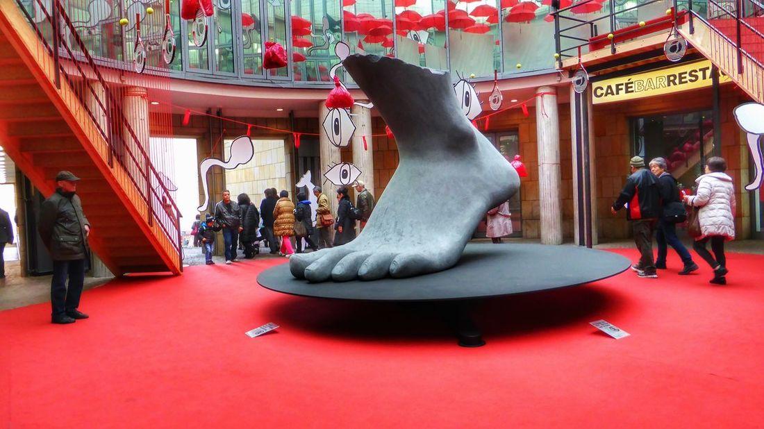 Art ArtWork Schirn Frankfurt Am Main Red