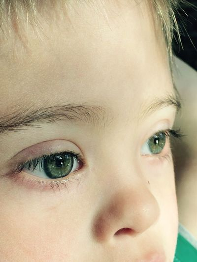 Eyes close Still close up The Portraitist - 2016 EyeEm Awards Remote Enjoyment Lost In Thought... Miles Away Quiet Places Peace Little Boy Green Color