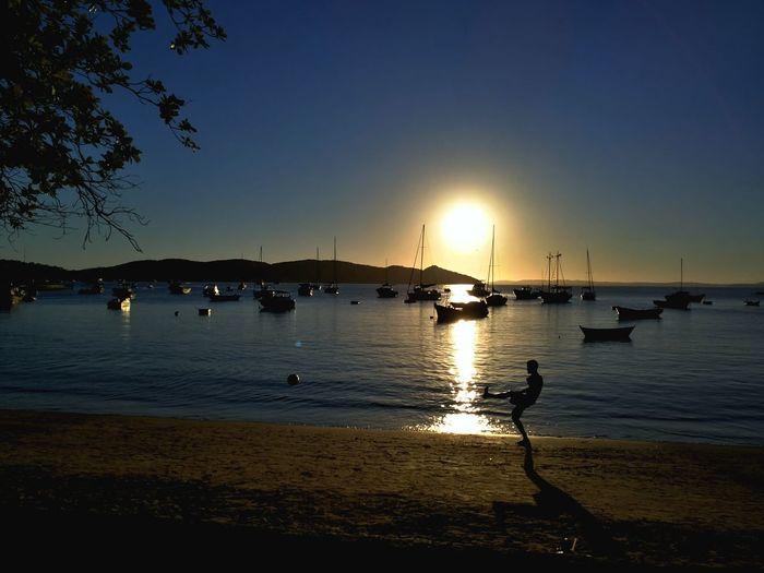 E terminou assim... Beach Sunset Sea Reflection Vacations Summer Silhouette Nature Water Sky Taking Photos Huawei Mate 9 BeachSoccer Marvellous Eyem Praiadosossos Buzios