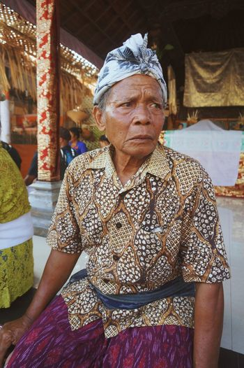 balinese old man Faces Of EyeEm Old People Balinese Bali Life Ceremony Traditional Portrait Sitting Headwear Looking At Camera Senior Adult Senior Men Traditional Clothing A New Beginning EyeEmNewHere