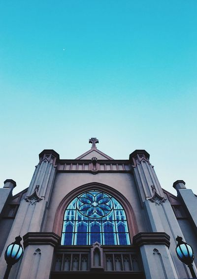 Architecture Low Angle View Window Copy Space Built Structure Clear Sky Building Exterior Religion Day No People Place Of Worship Outdoors Tranquil Scene Beautiful Scenics Sky Church Churches Building Building Exteriors Low Angle View Architecture Architecture_collection