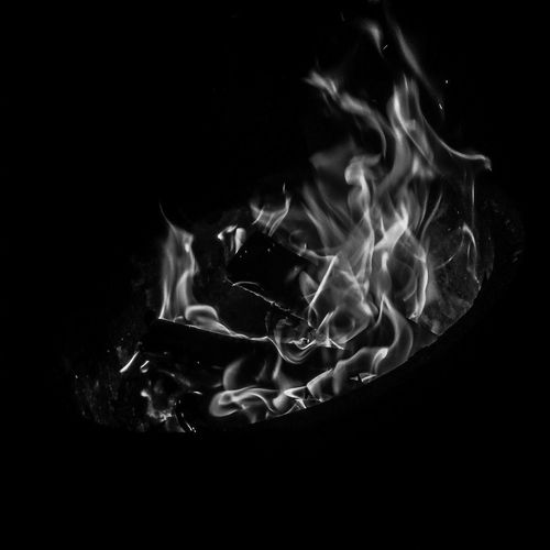 Let it keep your soul warm- Black Background Fire And Flames Smartphonephotography Motion