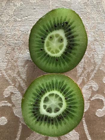 Close-up Food Food And Drink Freshness Fruit Halved Healthy Eating Kiwi - Fruit No People SLICE Food Stories
