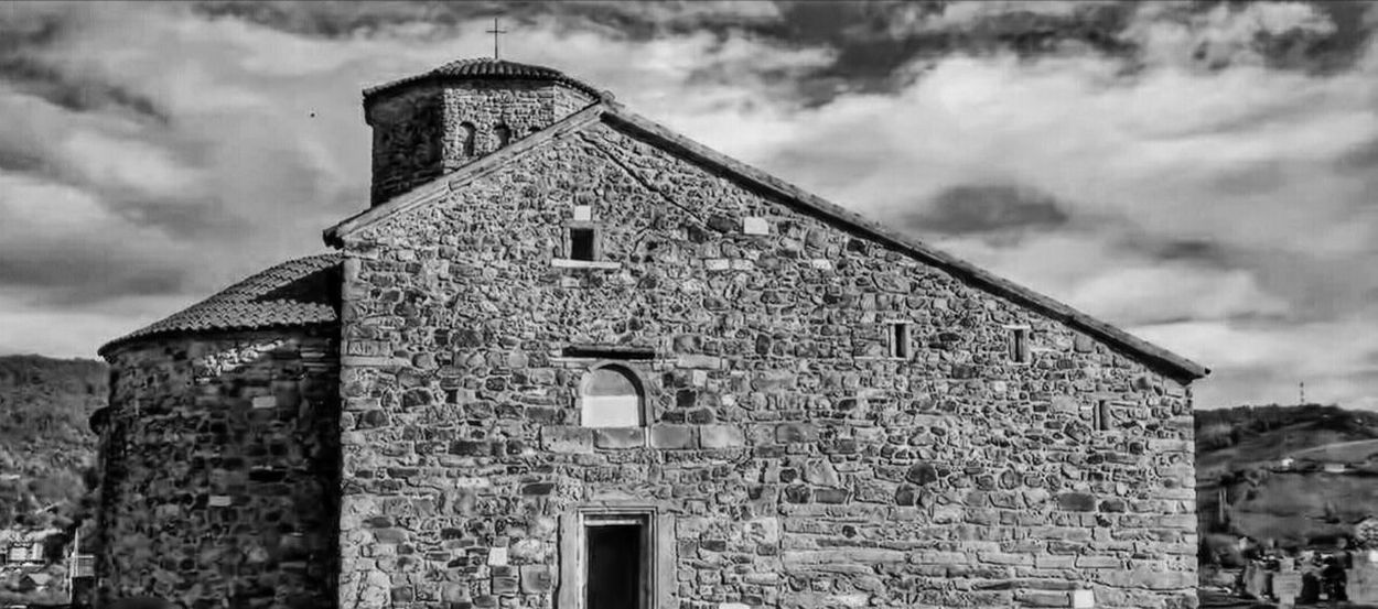 Black And White Friday Bandwphotography Architecture Cloud - Sky Outdoors Photo Of The Day Monastery Cemetery No People Building Exterior