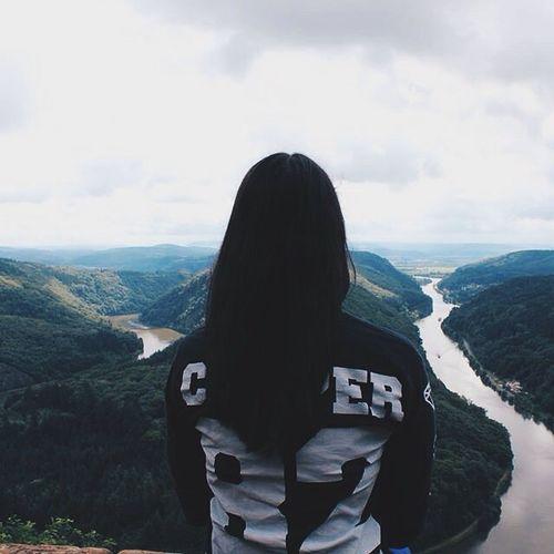 ✖️Auf den Schultern von Giganten vielleicht landen wir nie! Augen groß wie der Mond, sieh wie sich Schatten verziehen! Atme ganz tief den Moment ein lass ihn dann nie los. Spür wie dein Herz grad' einen Schlag überspringt!🌾💜✖️ Casper Krasserstoff Krassersommersale