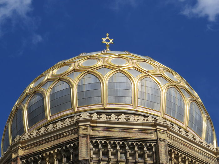 Architecture David Sury Gold Jewish Top Architecture Building Exterior Built Structure Day Dome Globe Gold Colored History Low Angle View No People Outdoors Place Of Worship Religion Religious  Religious Architecture Sky Spirituality Top View