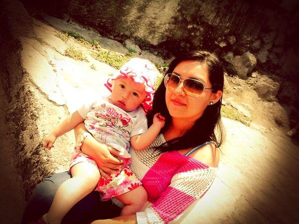 El ser mama nosolo es el educar atus hijos ,tambien es estar con ellos en los mejores momentes y llenarlos de amor