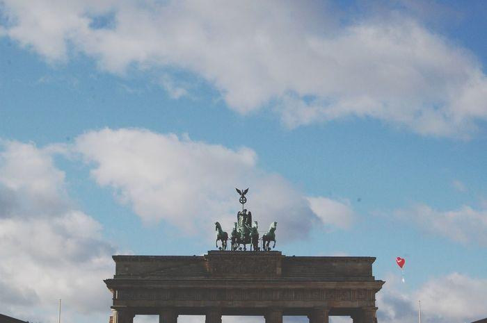 Looking for a ballon? Berlin Brandenburger Tor Ballons
