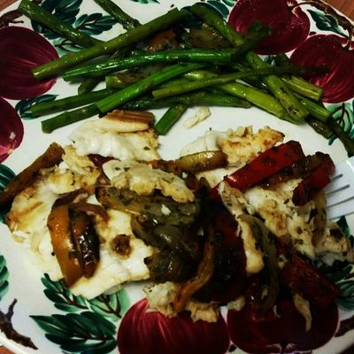 Last night's dinner, poached tilapia with peppers and asparagus Yummy Ohsogood
