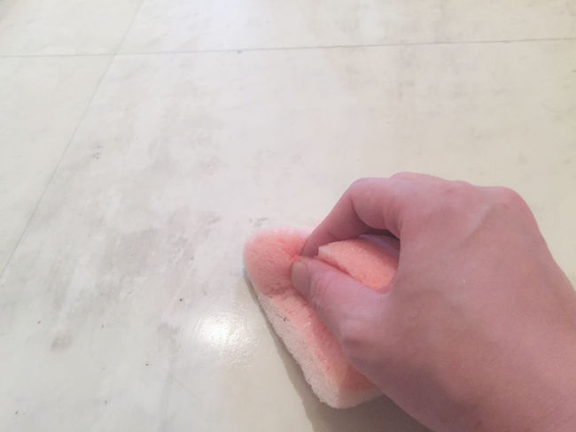 Cleaning Close-up Daily Life Dirty Floor Grubby Hand Hands At Work Housework Human Body Part Human Finger Human Hand Kitchen Man Part Of Pink Powerful Right Hand Room Selective Focus Sponge Still Life White Album WhiteCollection Working