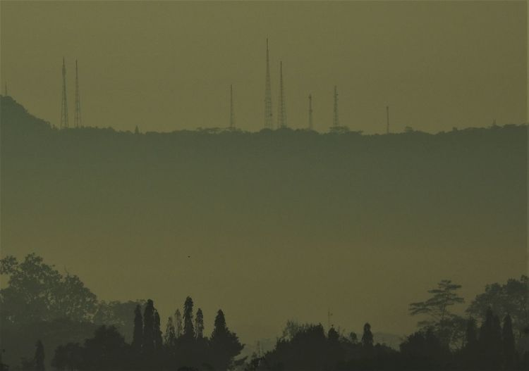 Beauty In Nature Communication Tower Misty Morning Mountain Nature Nature_collection Scenics Sky
