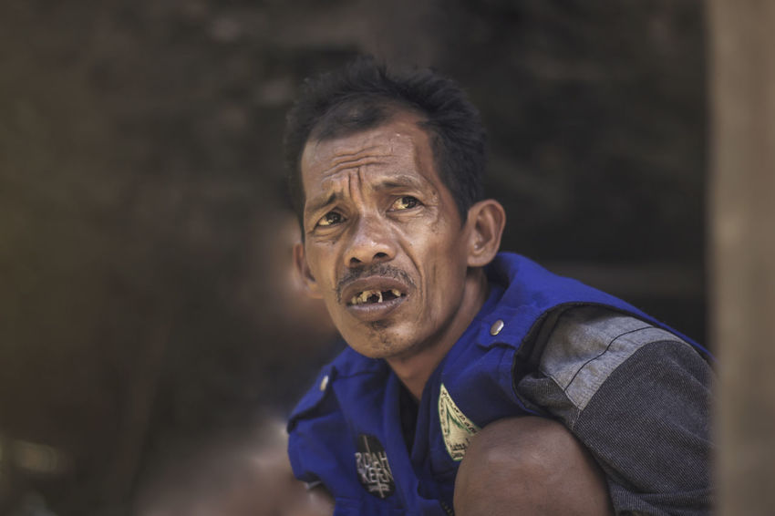 daydreaming INDONESIA Makassar Man Candid Canon Daydreaming Human Interest Old Oldman Portrait