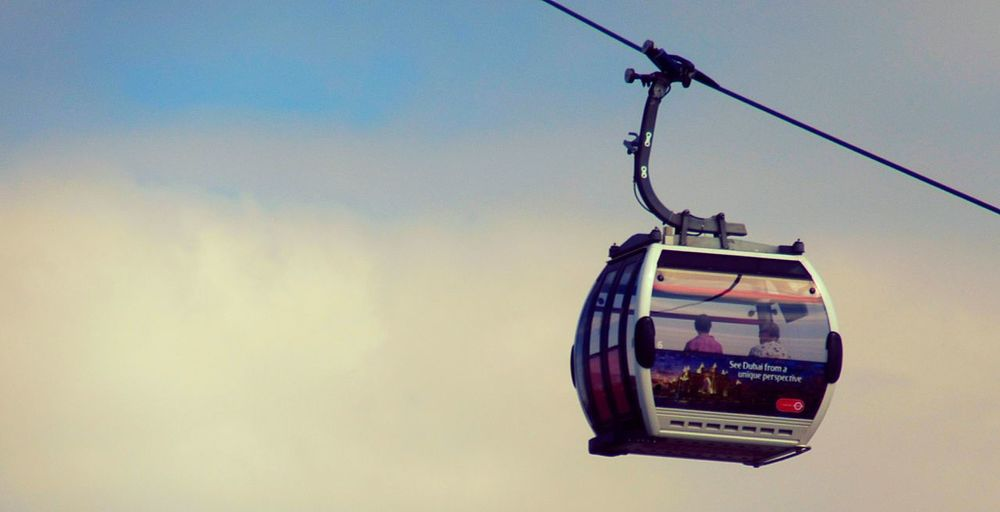 Hanging Sky Outdoors Overhead Cable Car Day Cable Car Teleferik London England Britain Fly Emirates