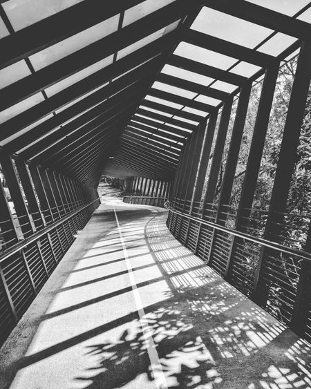Puente peatonal moderno Arquitecture Pattern Shadow Sunlight Architecture Built Structure Sky