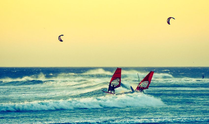 Windsurf Sea Water Adventure Extreme Sports Beauty In Nature Horizon Over Water Lifestyles Nature Surfing Beach Wave Real People Scenics Windsurfing Challenge Sport Leisure Activity Kiteboarding Water Sport Men Evening Sun Capetown South Africa