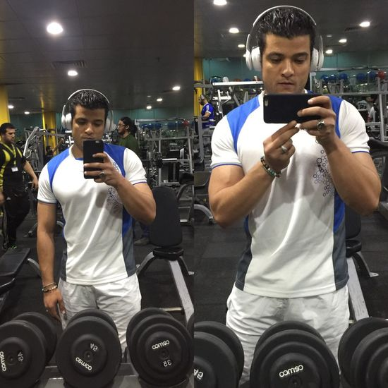 Gym Young Men Exercising Sport Healthy Lifestyle Sportsman Men Person Young Adult Lifestyles Muscular Build Health Club Sports Training Indoors  Only Men Leisure Activity Exercise Equipment People Adult Self Improvement Healthylife Training Day Workout Get Shaped Selfie ✌